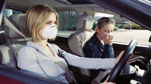 Почему в салоне пахнет газом?